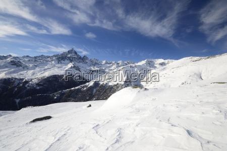 inverno alpi cocaina farmaco congelato veduta