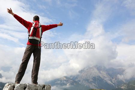 climbers sulla parte superiore della montagna