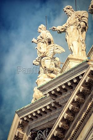 storico religioso monumento cattedrale scultura italiano