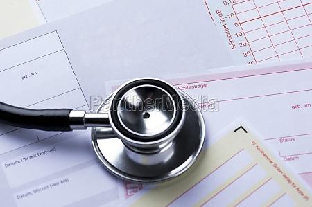 dottore medico segnale croce assistenza sanitaria