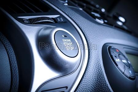 pulsante avviamentoarresto in auto veicolo
