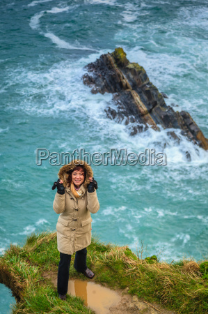 costa atlantica irlandese donna turista in