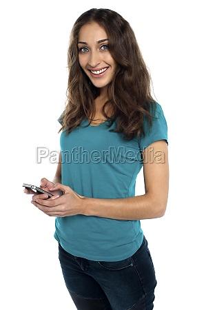 donna telefono risata sorrisi donne chiamata