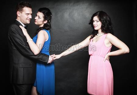 concetto di infedelta coniugale love triangle