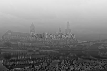 acque nebbia fiume confluenza sassonia dresda