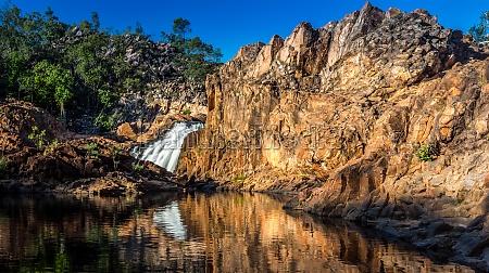 rocce roccia australia cascata da solo