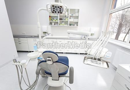 strumenti e strumenti dentali in uno