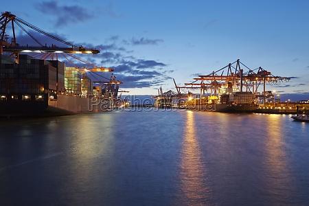 germania amburgo contenitore caricare imbarcare container