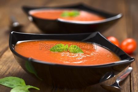 verdura basilico zuppa di pomodoro zuppa