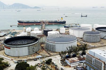 serbatoio di petrolio al giorno