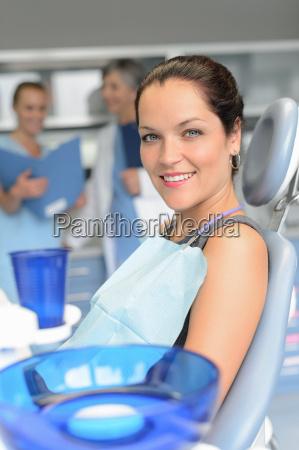 dottore medico donna risata sorrisi medicina