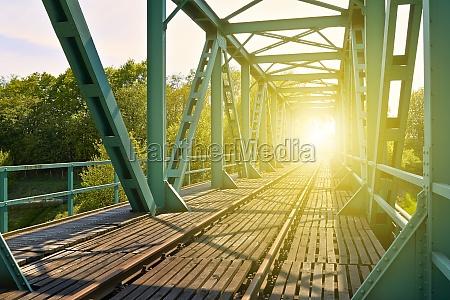 luce ponte connsessione annessione raggio luce