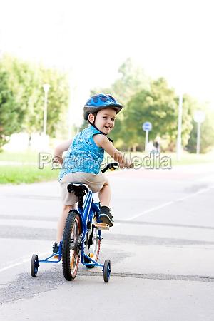 sport dello sport casco ciclista bicicletta