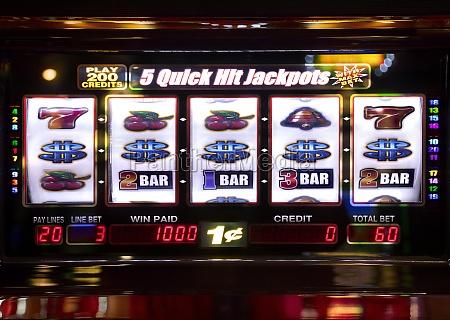 vincitore giocatore lotteria montepremi jackpot premio