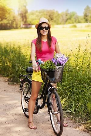 ritratto, di, bella, donna, con, moto - 12109568