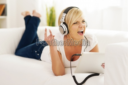 woman listen to rock music at