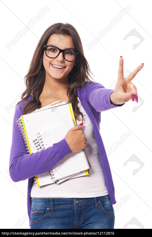 studentessa, con, taccuino, in, mano - 12112816