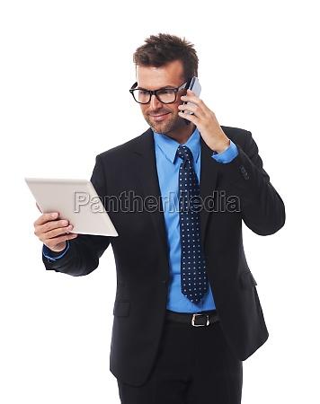 uomo, d'affari, occupato, che, lavora, su - 12115580