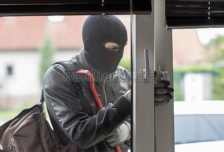 furto con scasso furto ladro rubare