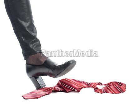 foot occurs tie