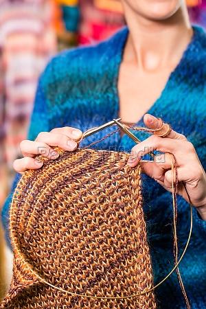 moda colorato lana lavorare a maglia