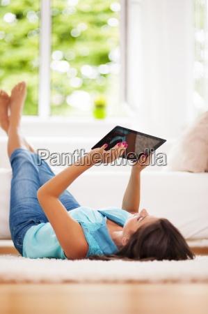 donna, che, usa, tablet, digitale, a - 12352104