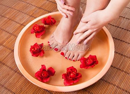 piedi femminili come aroma therapy