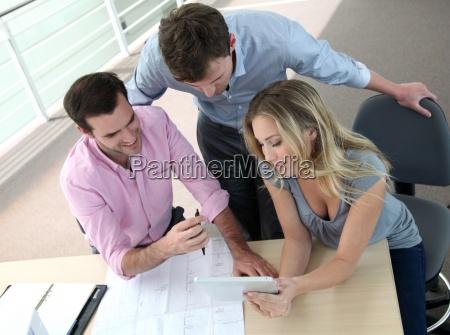 riunioni di imprenditori per progetti di