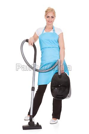 signora cameriera collaboratrice domestica domestica economia