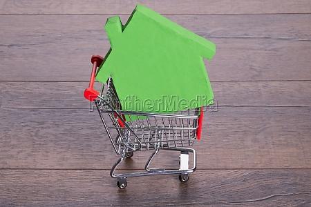 casa, nel, carrello - 12541396