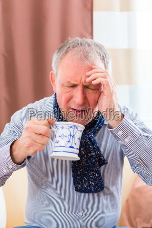 lanziano beve il te e guarisce