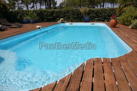 primo piano della piscina privata