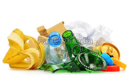 bicchiere scorie riciclo riutilizzo spazzatura rifiuti