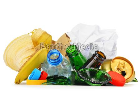 rifiuti riciclabili costituiti da plastica di