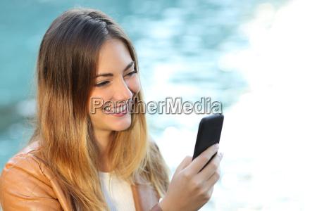donna telefono mano intelligente cellulare smartphone