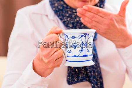 donna te tea salute bere catarro