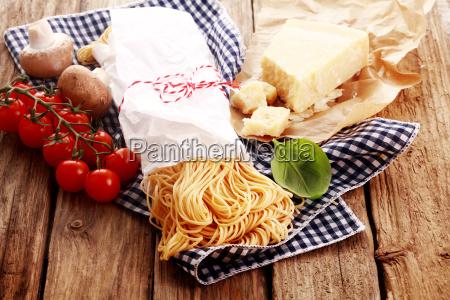 cibo legno marrone caucasico europeo acqua