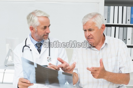 dottore medico ufficio consulenza medicina virile