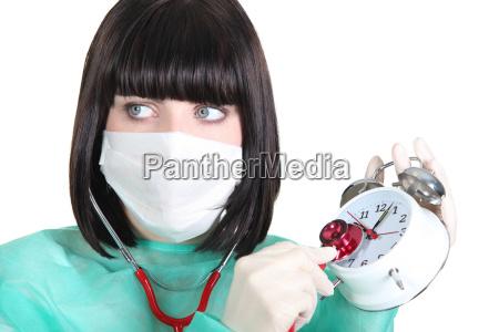 dottore medico termine deadline tregua orologio
