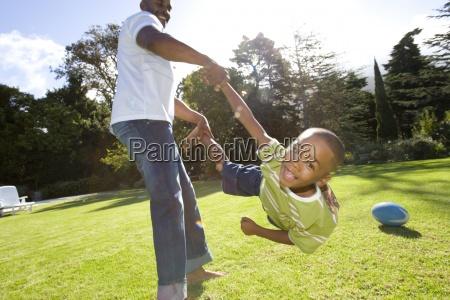 padre figlio oscillante 6 8 anni