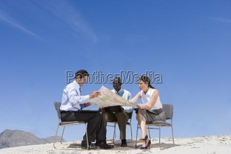 donna persone popolare uomo umano viaggio