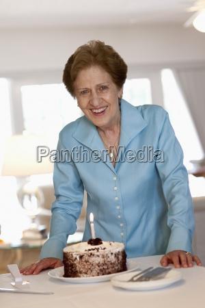 donna blu risata sorrisi cibo colore