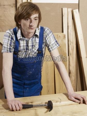 uomini uomo strumento attrezzo colore sede