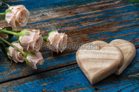 cuori di legno fatti a mano