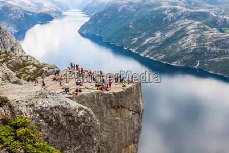 preikestolen desktop rock a lysefjorden norvegia