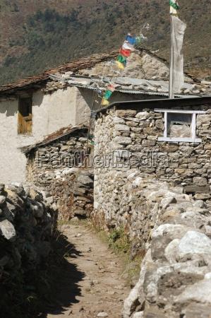 semplice abitazione di sherpa in himalaya
