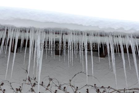 casa costruzione pericolo inverno ghiaccio ghiacciolo