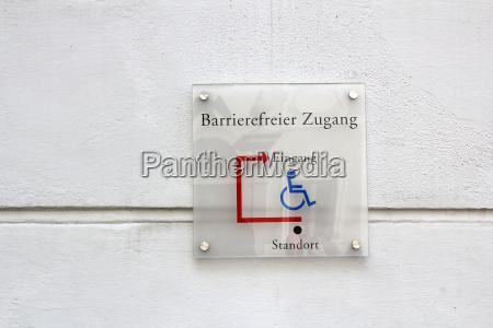 segnale accesso invalidita costruzione edifici