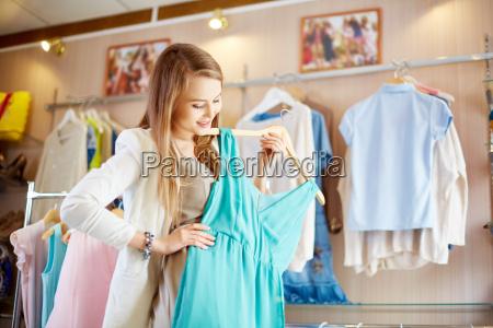 shopaholic con abito