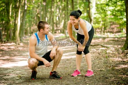 donna jogging stanco facilitare agio riposo